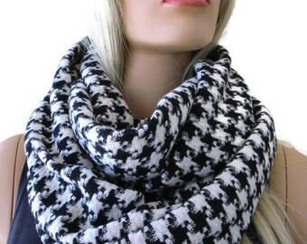 Black and white houndstooth winter scarf/cowl-hahnentrit- Unisex for men and women infinity scarf/  winter cowl
