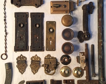 Lot of vintage door hardware from a home built in 1890 – Victorian