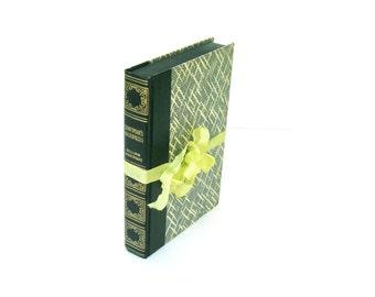 Shakespeare's Masterpieces by William Shakespeare, Art Type Edition, The World's Popular Classics, Navy Shakespeare, Navy Decor