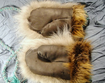 Alaska Native wolf fur/beaver/mouton leather mittens - size med/small