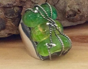 Beautiful Old Chinese Art Deco Sterling Silver Green Jade Peeking Glass Vintage Antique Ring
