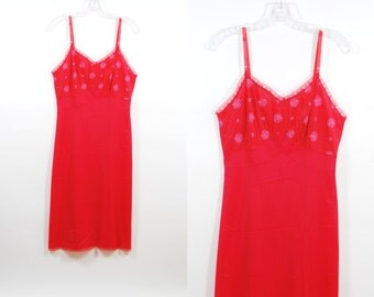 Vintage 50's Embroidered Red Full Slip Seamprufe Size 36