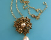 Charming 50s necklace with elaborated golden flower slide pendant & real baroque pearl drop-elegant golden links delicate chain-Art.338/4-