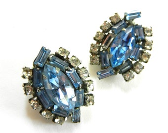 1950s Rare Wiesner signed sparkling aquamarine and clear rhinestones clip Earrings - very nice stones on elegant shape - Art.682 -