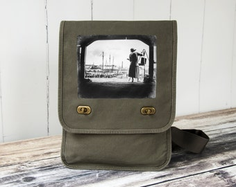 Boston Harbor Artist - Messenger Bag - Field Bag - School Bag - Khaki Green - Canvas Bag
