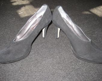 NOS Designer Shoes Black Suede/Black Suede Dress Heels