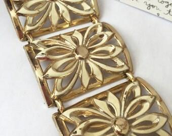 Cuff Bracelet Gold, Enamel Flower Bracelet, Ivory and Gold Bracelet, Chunky Gold Bracelet, Summer Bracelet, Vintage Gold and Cream Bracelet