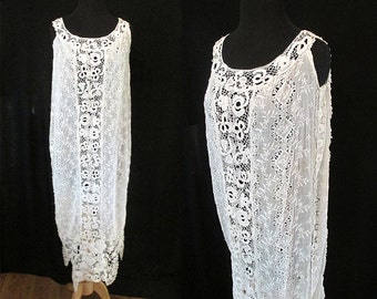 Lovely 1920's White Lace Dress with Hand Crochet Lace Roaring 20's Great Gatsby Downton Abby Old Hollywood Glamour Boho Wedding Size-Medium