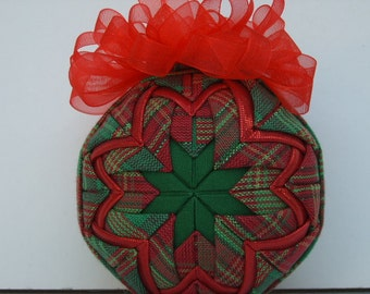 Red and Green/ Quilted Ornament/Christmas Ornament/Decoration