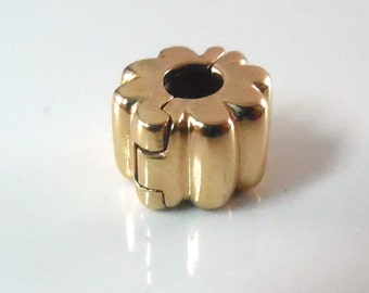 14K Gold Pandora Charm Ribbed Clip Signed 585 ALE