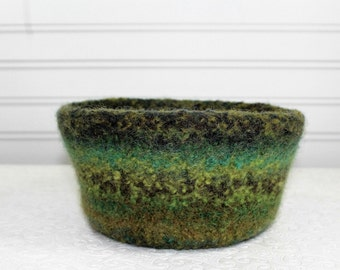 Large Wool Felted Bowl in Greens, Woodland Shades of Green Felt Bowl, Knit Felt Wool Bowl, Felted Wool Home Decor Bowl, Eco Friendly Storage
