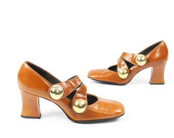 Vintage 60s Mod Mary Jane Shoes Big Buttons Leather Pumps Chunky Heels 1960s Amber Brown Womens size 7