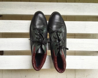 Vintage black leather booties, colorblock, 90s womens shoes size 8 and a half