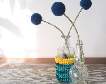 Navy blue pom pom Flowers.  Blue Craspedia.  Wool pompoms.  Felt billy buttons. Modern bouquet.  Dark floral arrangement.   Felted Flowers.