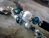 Hair Stick White Pearl and Emerald Green Swarovski Crystal Hairpin - Geisha Hair Accessory - Libelle