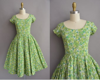 50s green rose print cotton vintage dress / vintage 1950s dress