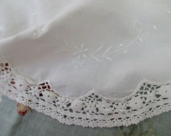 white cotton round doily- lace, embroidery, crocheted
