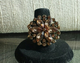 Topaz crystal stretchy ring