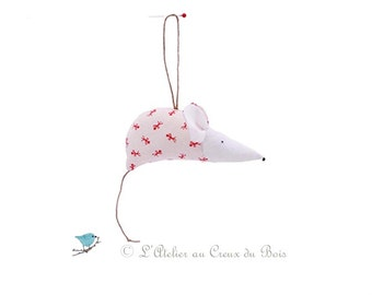 Red and white Christmas tree decoration, christmas mouse, christmas ornaments