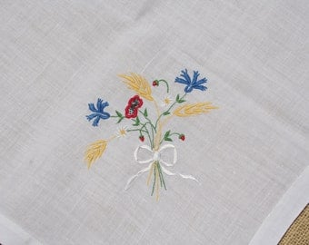 Vintage Embroidered Tablecloth Set  with Flowers and Wheat 4 Napkins Bridge Set