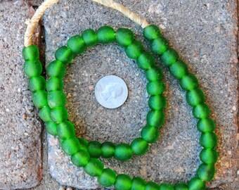Ghana Glass Beads: Kelly Green 11mm