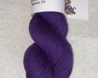 Purple pure cashmere recycled yarn