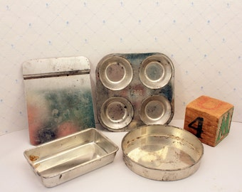 Toy Tin Bakeware Muffin Tin Cake Pans Cookie Sheet Vintage Doll Cookware Dishes