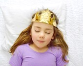 Birthday Crown, Aurora Crown, Princess Crown, Dress Up Toys, Gold Tiara, Princess Costume, Gold Leather, Queen Crown, Pretend Play Clothes