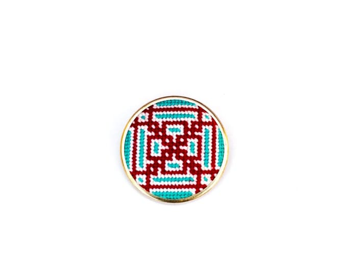 DIY Needlepoint Jewelry Kits: Knotwork Round Pin