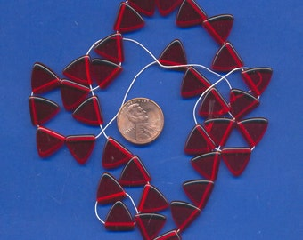 Strand of 13mm Triangle Beads: Glass, Red