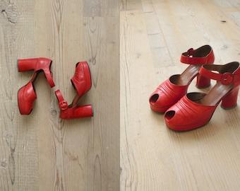 Vintage 1970s platforms. 70s red platform heels. leather peeptoe platforms