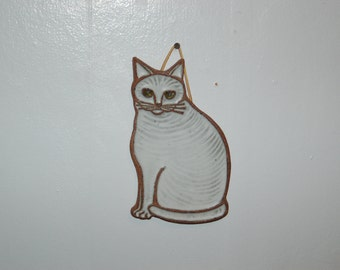 Victoria Littlejohn ceramics / stoneware White Sitting Cat tile / trivet ~ NW & California Artist / Potter