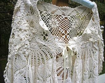 Lace shawl, wedding shawl, crocheted lace shawl, vintage, crochet shawl, capelet, ivory, tea stained, boho bridal shawl, festival cape