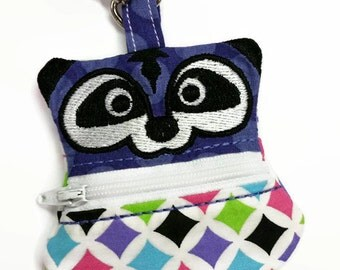 Raccoon Coin Pouch, Clip On Coin Pouch, Zippered Coin Purse, Raccoon Coin Purse, Keychain Coin Pouch, Backpack Keychain, Ear-bud Holder