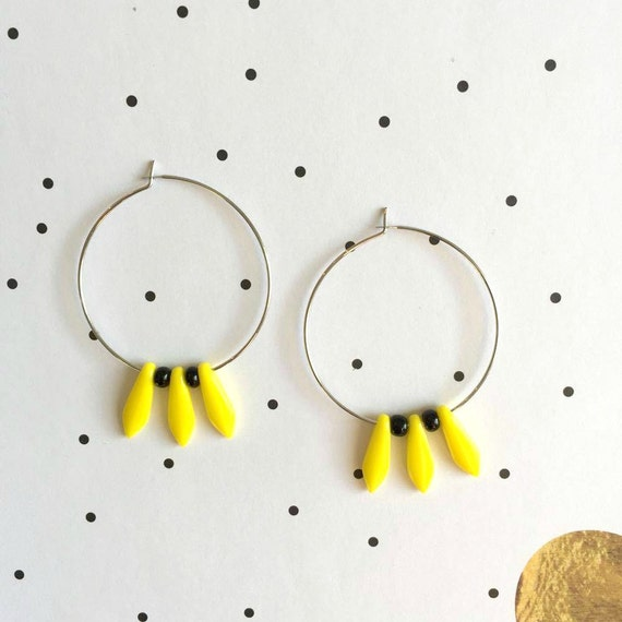 Hoop earring, ear, circle, brass, nickel free, two sizes diameter possibilities, oval, glass bead, yellow, les perles rares