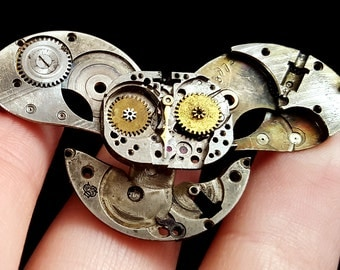 Small Steampunk Clockwork Owl (animal brooch or pendant)