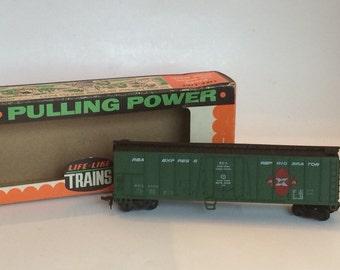 HO Freight Car by Life Like Trains