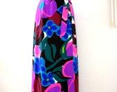 Vintage 70s Flower Power Maxi Skirt - Floral Wrap Maxi Skirt - 1970s Boho Chic in Black Purple & Pink - Hippie Skirt - Size Medium 8