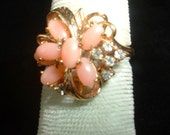 Vintage Costume Cocktail Ring Mid Century Coral Rhinestones Cluster Spray Looks SO Real Size 5 Beautiful Condition
