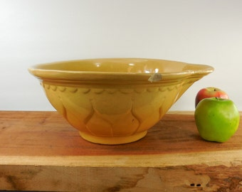"Antique Yellow Ware Yellowware Large 12.75"" Bowl - Tulip Petal - Kitchen Mixing Batter wt Pour Spout"