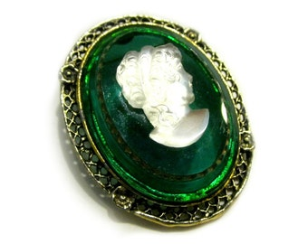 Green Glass Cameo Vintage Brooch