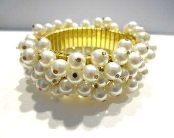Vintage Pearl Expansion Bracelet Gold Stretch Cha Cha