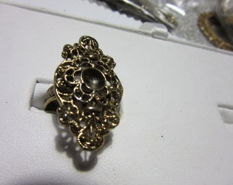 4 adjustable antiqued BRASS CLUSTER  RINGS needing 1 rhinestone  to glue, 6 - 7 1/2, finshed jewelry, costume rings,