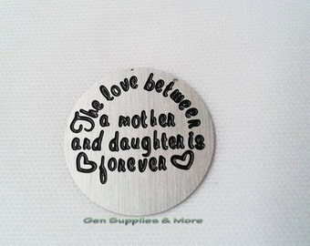 The love between a mother and daughter is forever Floating Locket Plate, mother daughter plate, mom plate plate, floating locket plate
