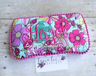 Spring Flowers Travel Baby Wipe Case, Monogram Wipe Holder, Diaper Bag Clutch, Personalized Wet Wipecase, Floral Wipe Case, Baby Shower Gift