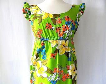1970s Hawaiian Maxi Dress by Hukilau Fashions Honolulu in Green Large Floral Print