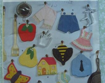 Decorative Potholders or Trivets Sewing Pattern Simplicity 9220 UNCUT