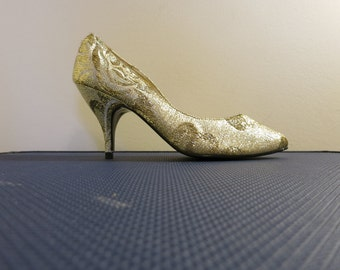 Pumps curvy heels metallic GOLD brocade lame vegan 7