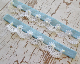 Venise lace garter set. White scallop lace bridal garter. Vintage style lace garter set