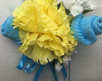 Baby Shower Corsage Socks Yellow and Blue Mom to Be Boys